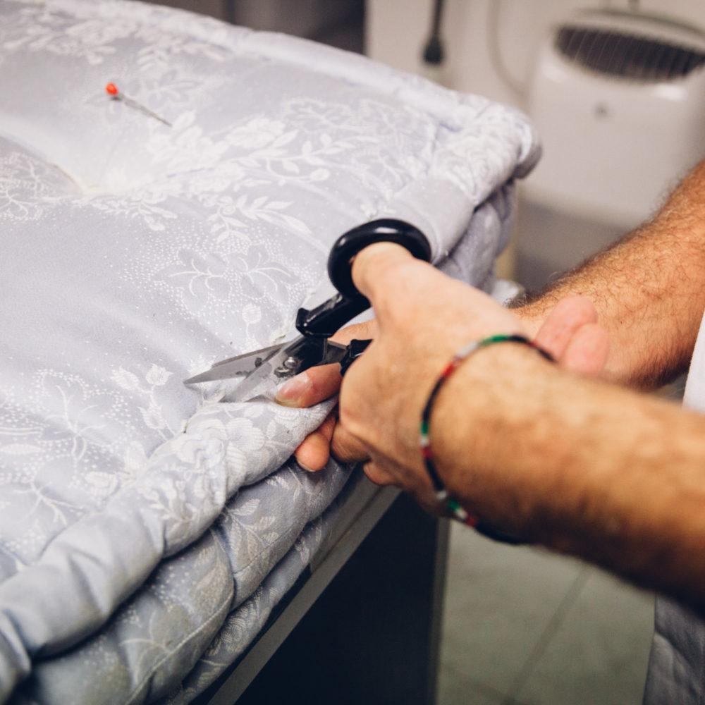 Rifacimento artigianale di materassi e cuscini in lana a Milano - Ditta Zucca